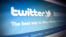 """Потребители от цял свят се оплакват от срив в """"Туитър"""""""