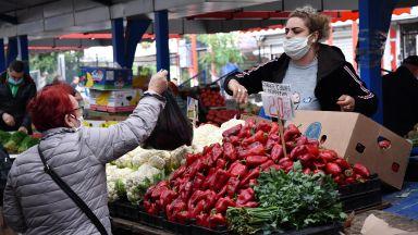 Цените на зеленчуците и олиото скочиха по борсите и тържищата в страната