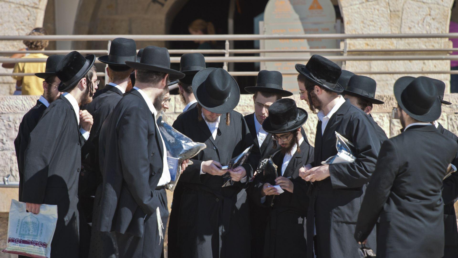 Властите в Ню Йорк забраниха огромна сватба на ортодоксални евреи с 10 000 гости