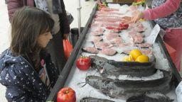 40-килограмов сом е една от атракциите на рибния фестивал в Бургас