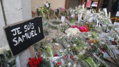 След обезглавяването на учител Франция се готви да изгони 231 чужденци