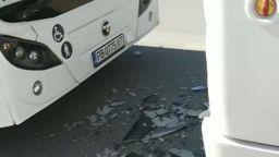 Автобус се вряза в друг на спирка в Пловдив