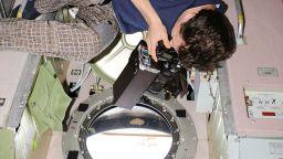 Продължава изтичането на въздух в руския отсек на МКС