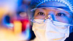 Учени създадоха тъкан със загряващ и охлаждащ ефект