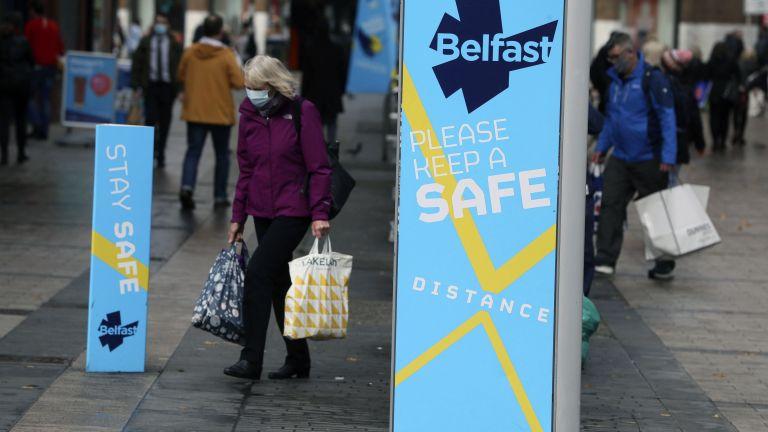От полунощ Ирландия въвежда строги ограничения за 6 седмици, за