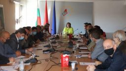 Нинова пред Изпълнителното бюро: Всяко управление след Борисов ще е много трудно