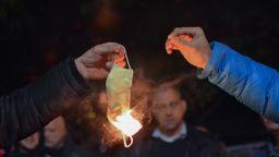 "Протестиращи затвориха ""Орлов мост"" и запалиха маски"