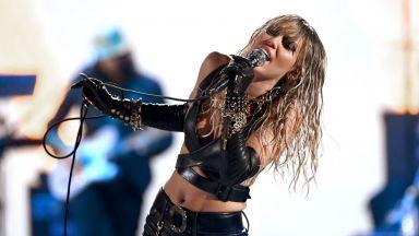 Майли Сайръс записва албум с кавъри на Metallica