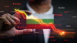 Контролът над финансовия сектор се затяга