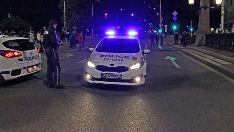 Два лъча с протестиращи дадоха началото на 112-ата вечер на