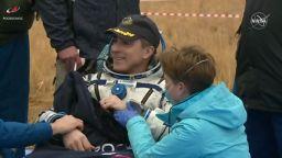 Тримата космонавти , прекарали шест месеца на МКС, се завърнаха на Земята (видео)