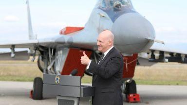 САЩ даряват два стари F-16 на България за обучение
