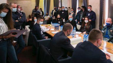 Божков учреди в хотел партията си (видео)