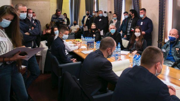 Обвиняемият бизнесмен Васил Божков, който е в Дубай, обяви официалното