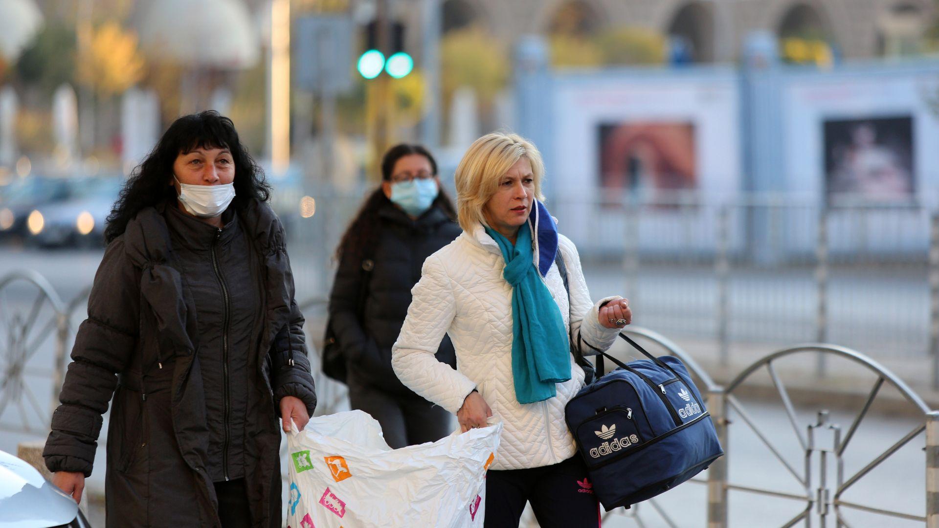 Хванаха без маска само 9 клиенти в търговските обекти в София за месец