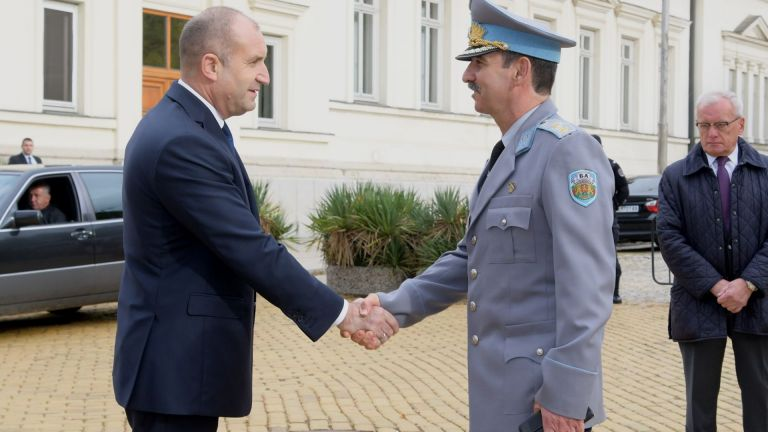 Президентът Румен Радев е бил уведомен за положителния тест на