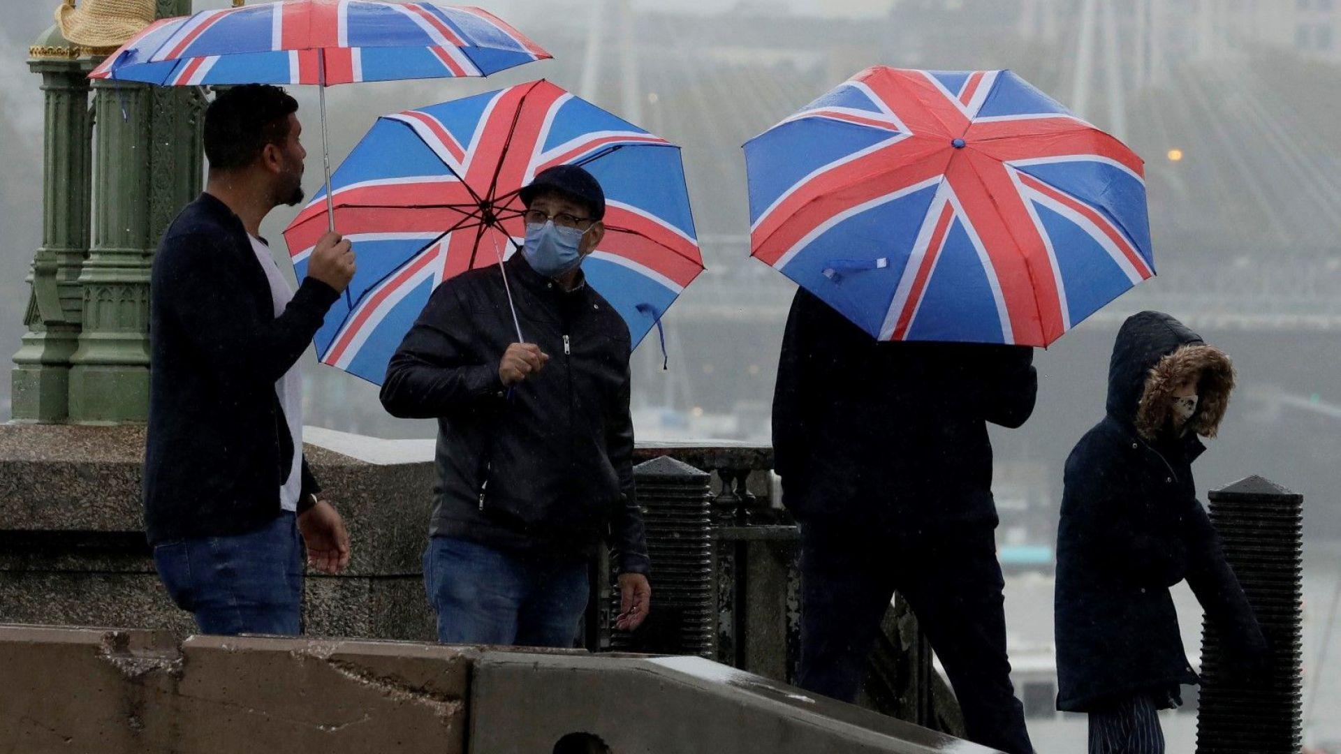 Карантинирана Англия преминава в още по-строг режим на рестрикции