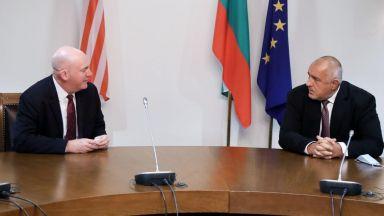 Борисов пред Купър: Правим военни бази за 300 млн. лв. като лоялен член на НАТО