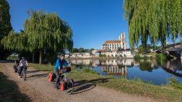 От Париж до морето с колело: 420 км веломаршрут от мечтите