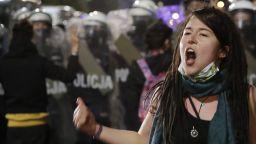 Хиляди поляци протестираха срещу почти пълната забрана за абортите
