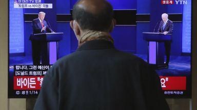 Последният дебат преди изборите в САЩ: Пари, расизъм и новина за ваксината (видео/снимки)