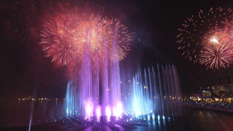 Най-големият фонтан - Палмовият, бе открит в Дубай на официална