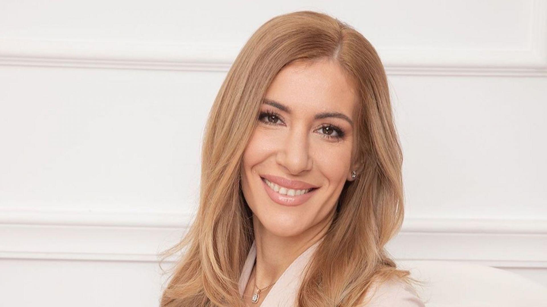 След операцията на носа - мрежата сравни Ангелкова с Гала