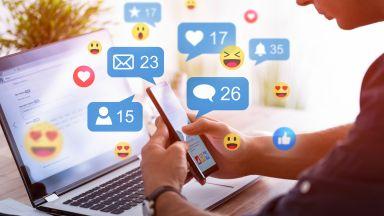 Франция с офанзива за сериозно засилване на регулациите на социалните мрежи