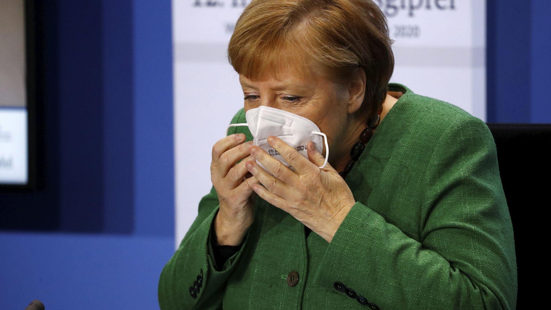 Меркел към германците: Ако всеки общува само с близките си и не пътува, ще се справим