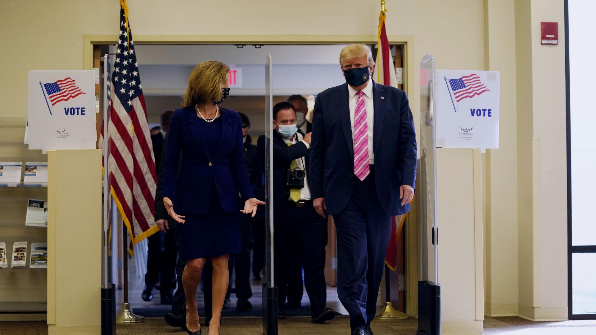 Президентът на САЩ даде вота си за изборите: Гласувах за човек на име Тръмп (снимки, видео)