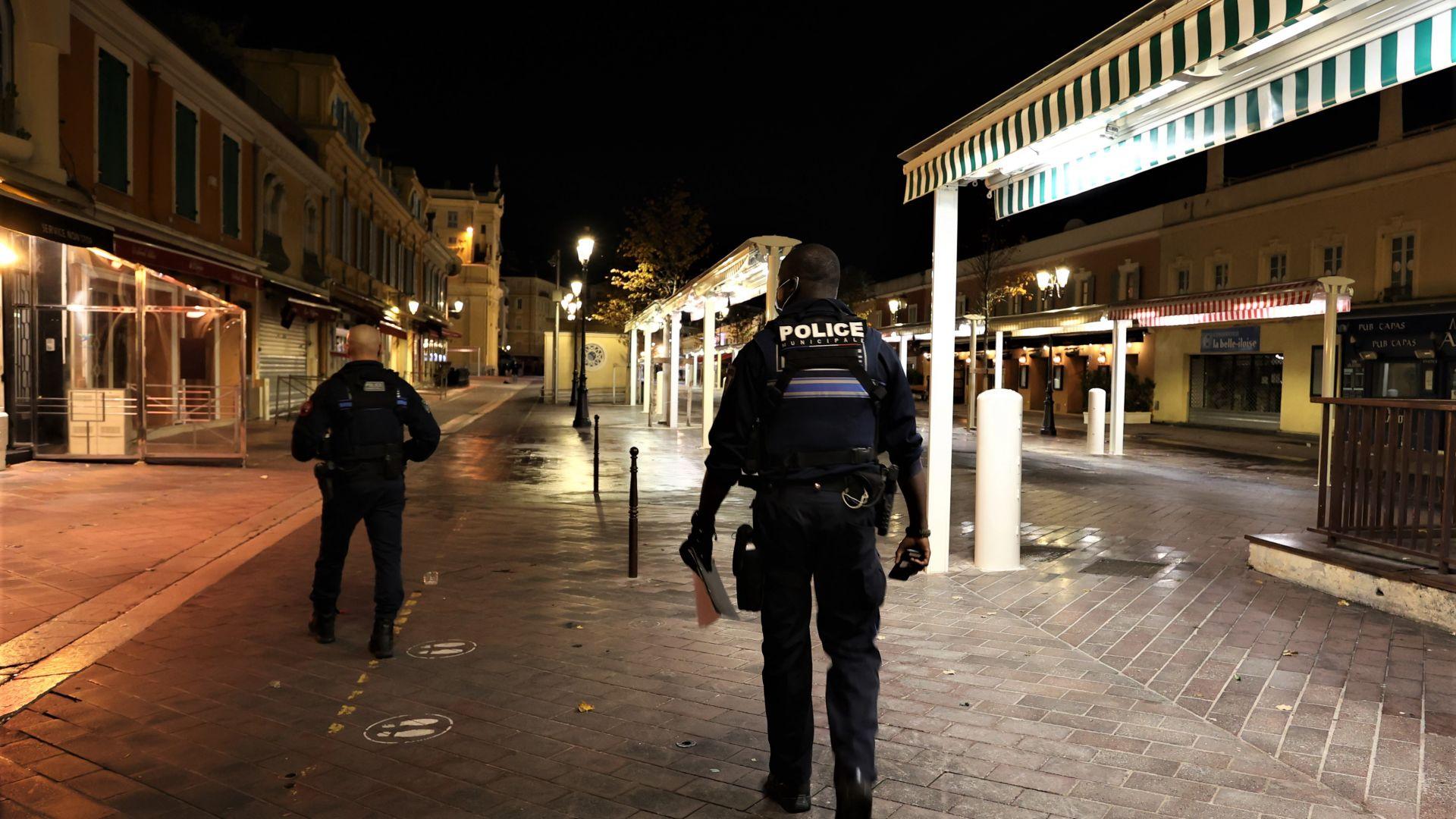 Вместо смекчаване - връщане на вечерния час: Франция не отстъпва от мерките