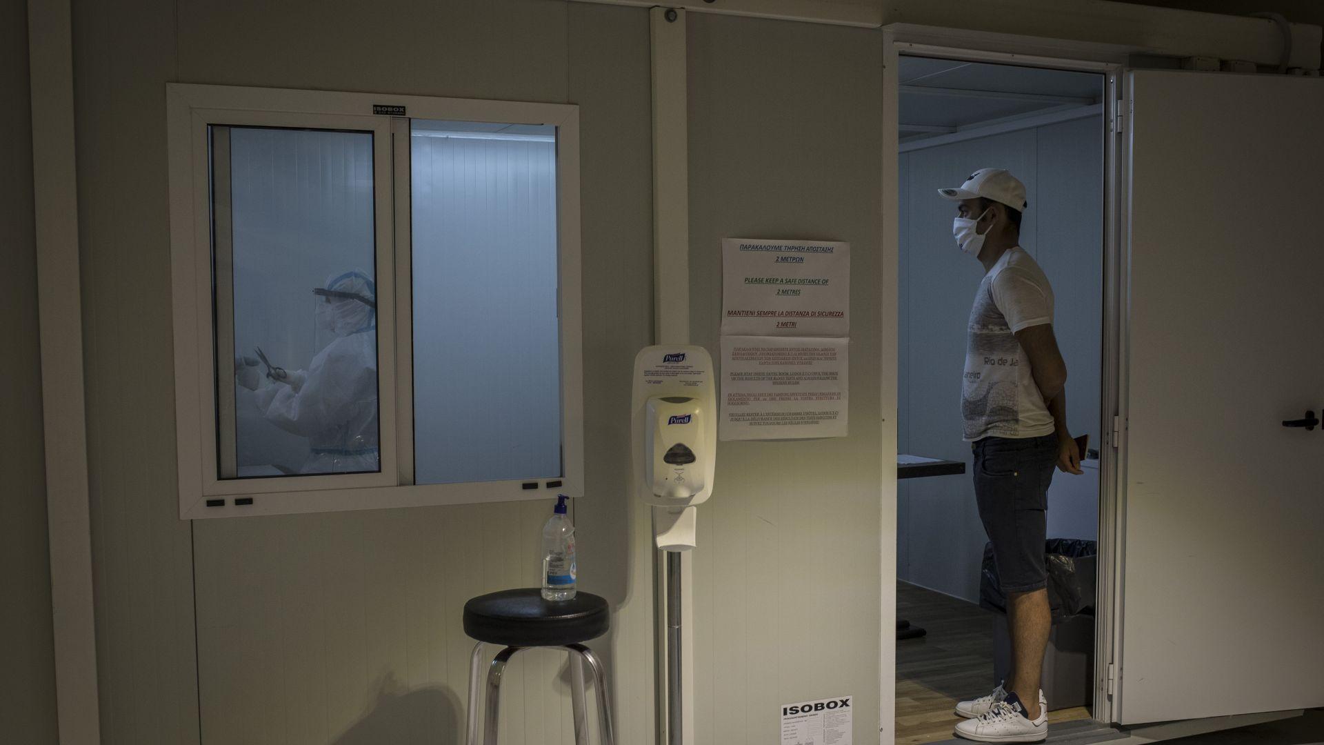 Гърция удължи ограниченията за влизане в страната, Румъния с рекорд в интензивните отделения