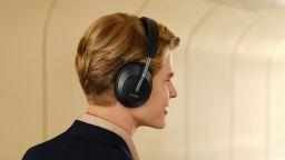 Какво знаем за новите слушалки FreeBuds Studio на Huawei