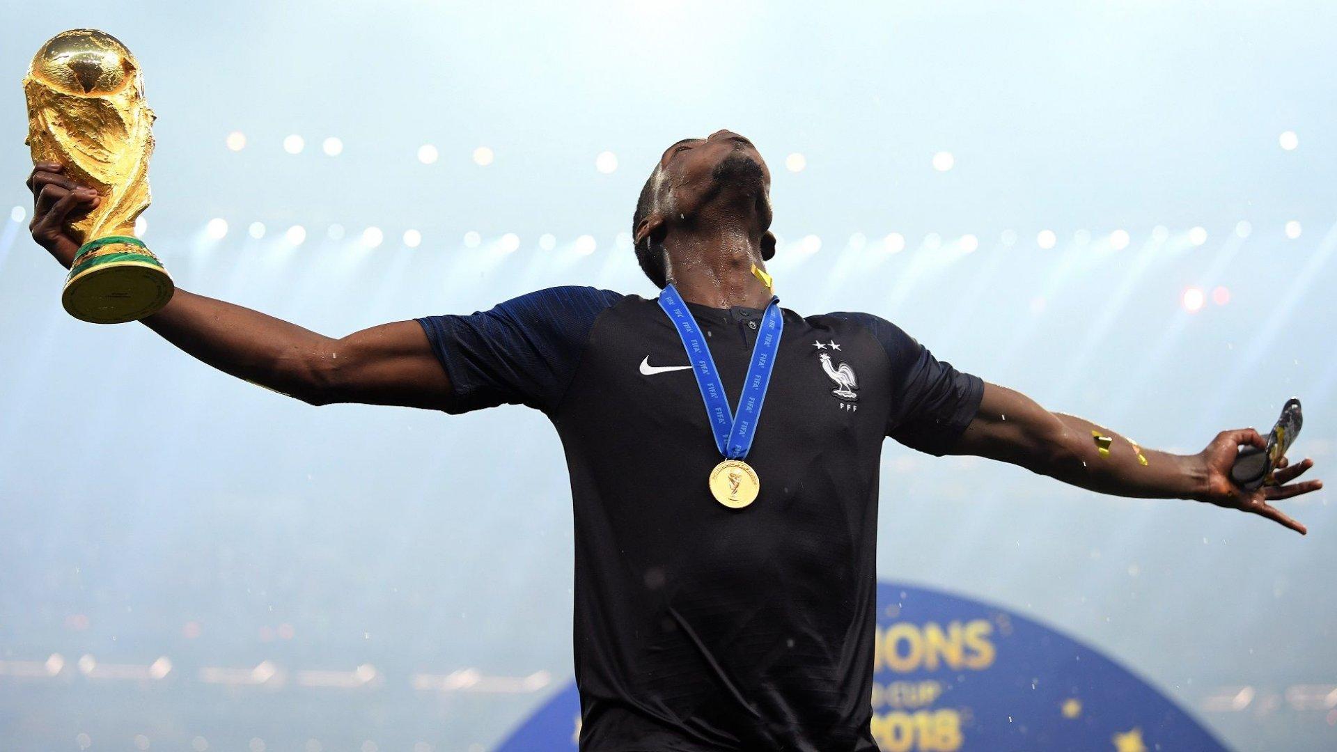 Погба опроверга слух, че се отказва от националния тим на Франция заради президента Макрон