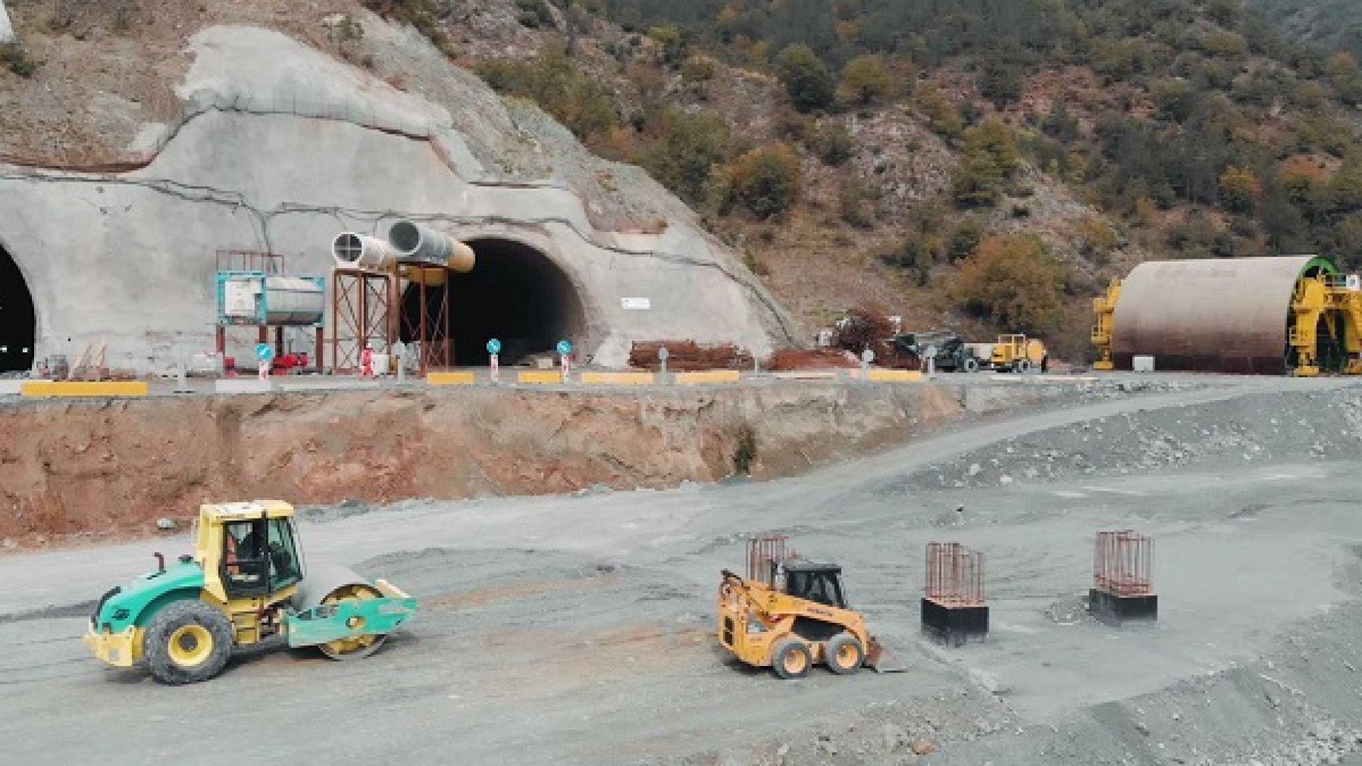 """Инцидент в строящия се тунел """"Железница"""""""