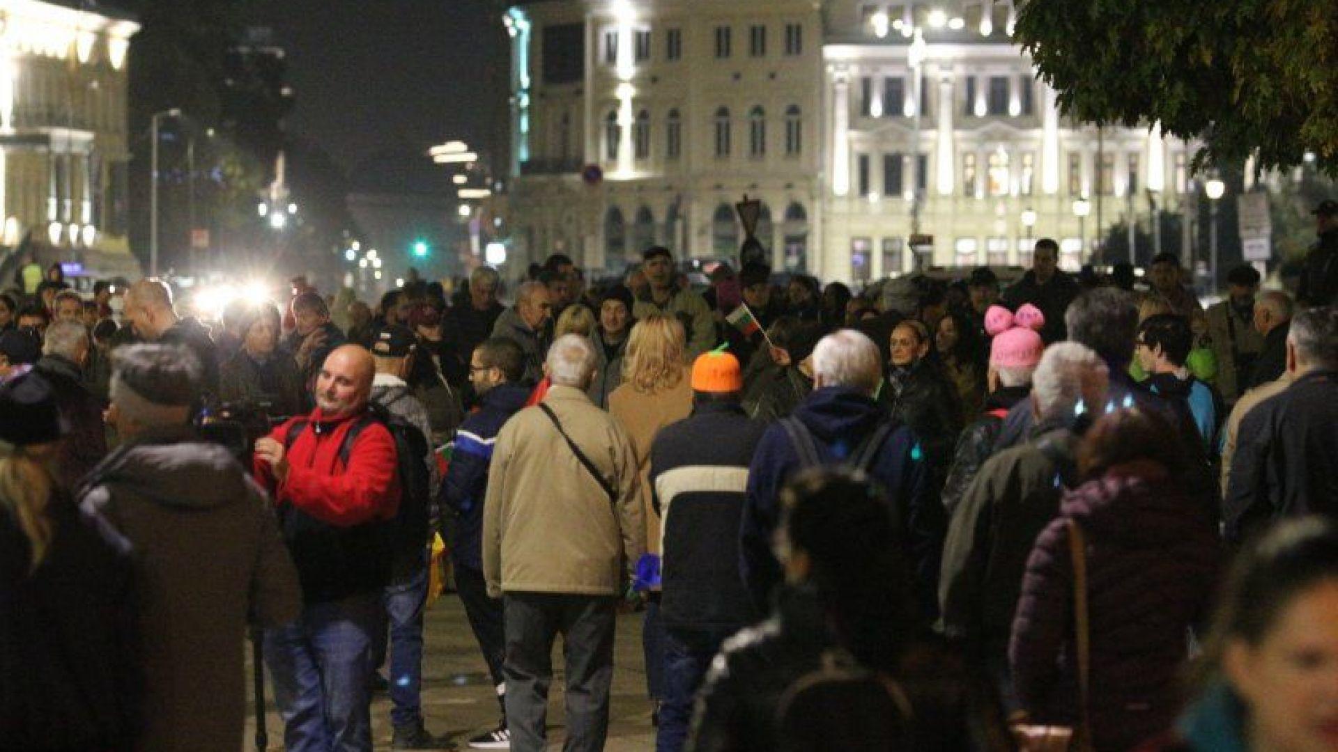 110-а вечер на протести в столицата - подкрепа от възрастни хора
