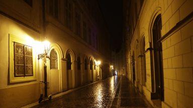 Забраниха на чехите да излизат от домовете си от 21 до 5 часа