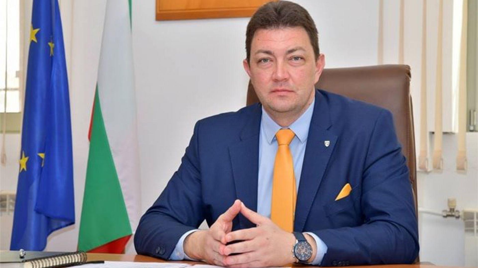 Кметът на Петрич е в болница с коронавирус