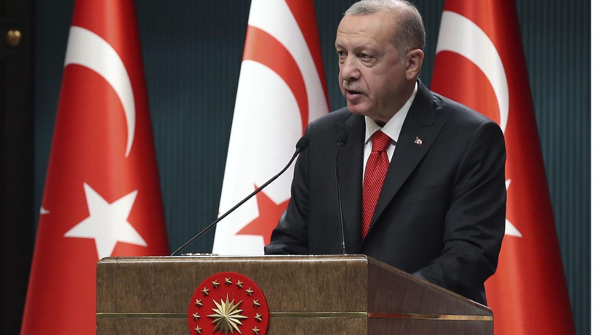 """Анкара привика иранския посланик заради """"безпочвени твърдения"""" срещу Ердоган"""