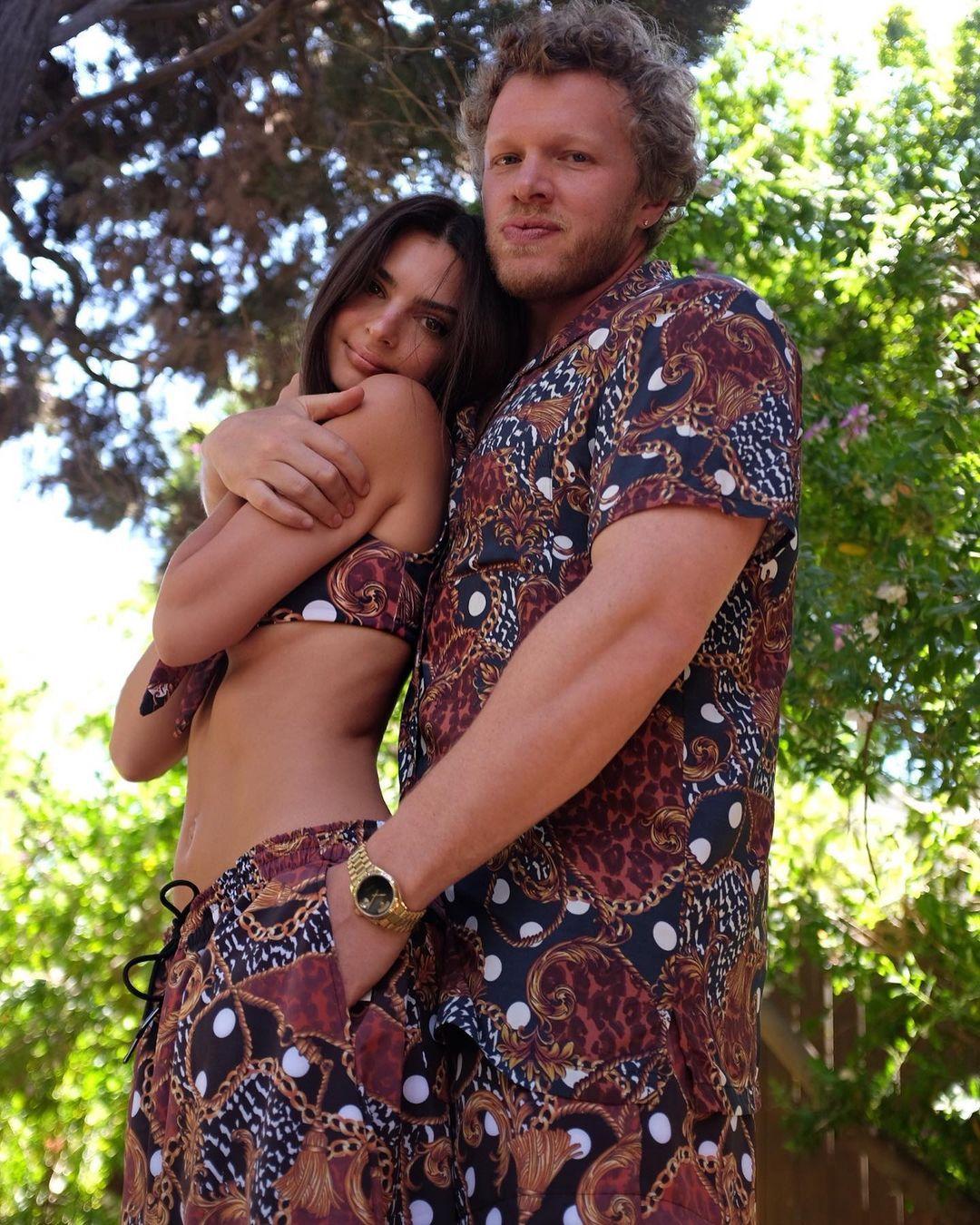 Емили със съпруга си Себастиан