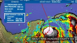 Ураганът Зета атакува Мексико, после крайбрежието на  САЩ