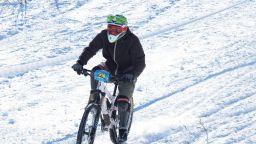 С 60 км/ч надолу по Витоша: Как даунхил колоезденето зае пиедестала в зимните спортове