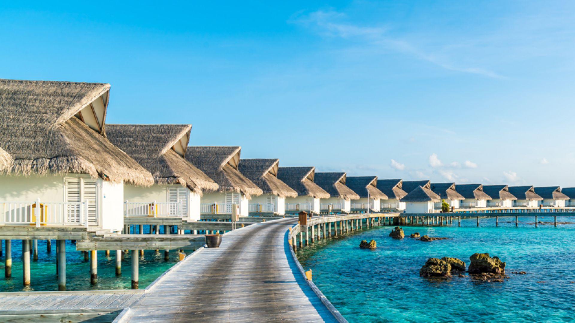 За пръв път чартърен полет до белите плажове на Малдивите