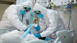 Нов антирекорд - 2569 са новите случаи на COVID-19 у нас