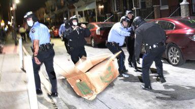 Тръмп се противопостави на размириците във Филаделфия, Байдън оправда протеста, но осъди насилието