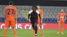 Неочакван герой измъкна ПСЖ в Истанбул, докато Челси се развихри в Русия