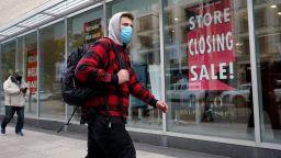 Лятно измъкване на САЩ от кризата, но възстановяването ще е бавно