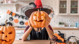 Пир по време на ретрограден Меркурий: посрещни Хелоуин с черен петък
