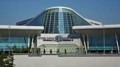 """Самолет на """"Еър Франс"""" е приземен извънредно на Летище София"""