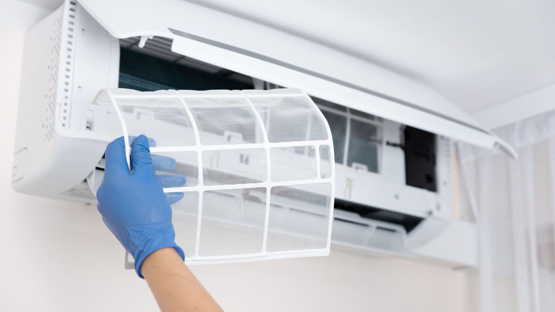 Вентилацията на помещенията е по-важна от маските и дистанцията